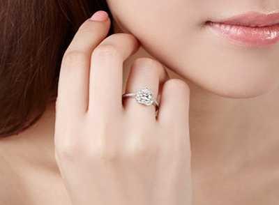 五个手指戴戒指的含义 各手指戴戒指的含义