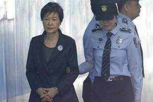 朴槿惠至今未婚原因揭秘 朴槿惠性丑闻