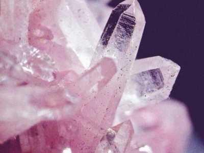 看看各色水晶的寓意是什幺 水晶寓意健康