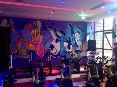 成都双流v9健身房涂鸦风格墙绘案例 运动涂鸦墙绘