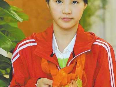 残奥会小将泳池逐梦14岁少女书写励志故事 坚强运动员的故事