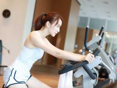 阔太胡静私人健身房晒健身照 私人健身房大小