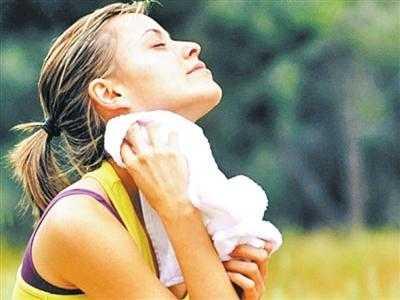 穿出汗服跑步减肥的效果会更好吗 运动后桑拿减肥