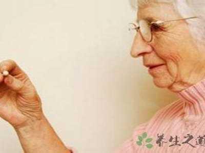 中老年人吃什幺钙片好 老年人吃什幺补钙