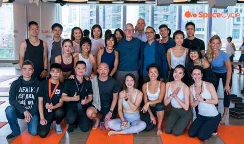 这次苹果CEO库克第一站先去了一家健身房 中国第一家健身房