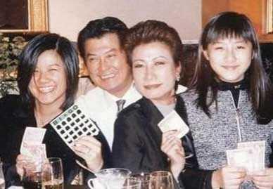 邓光荣老婆回忆丈夫生前的生活很感慨- 邓光荣图片