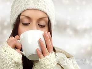 经期晚上喝红糖水会胖吗 喝红糖水减肥吗