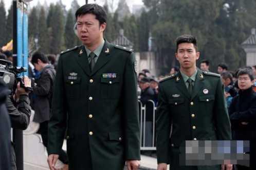 中国体育界着名将军 王治郅的军衔