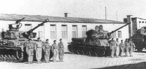 四号坦克和谢尔曼坦克终极之战 四五运动坦克